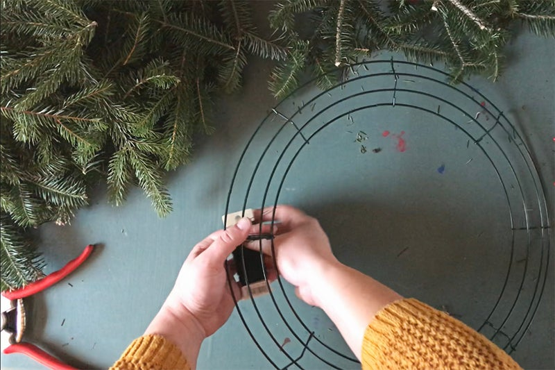 Easy Holiday Wreath DIY - wrapping wire