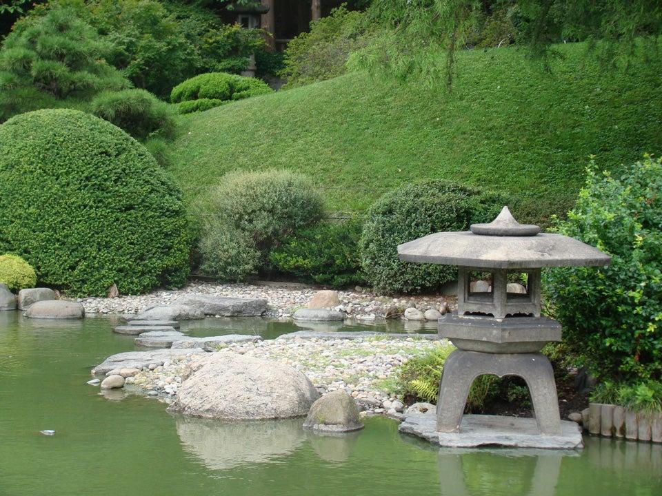 contemplation garden with water feature Garden Styles